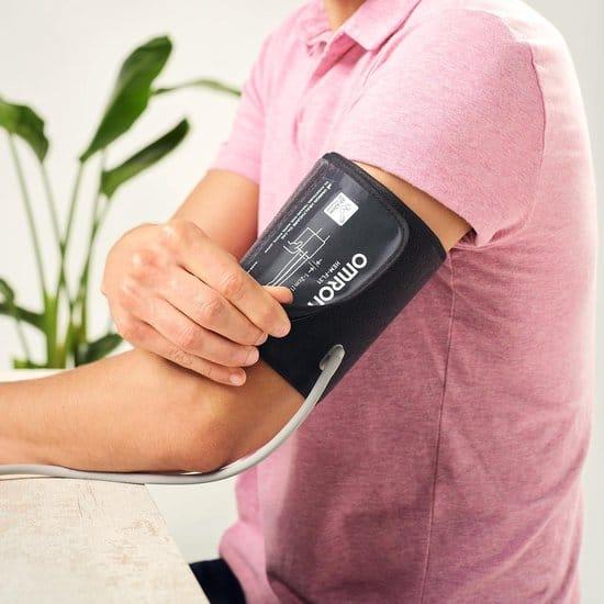 Het gebruik van een bloeddrukmeter